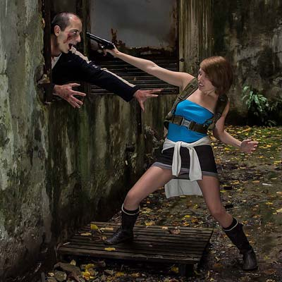 jill valentine is hunted by zombies cosplay my game