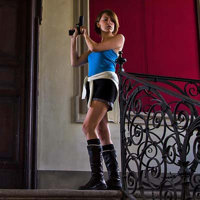 Jill Valentine is hunted by zombies