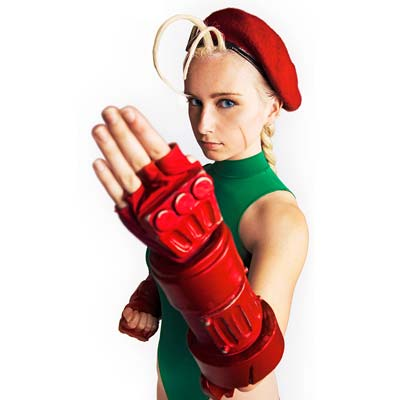 Cammy is awesome in this Street Fighter IV cosplay