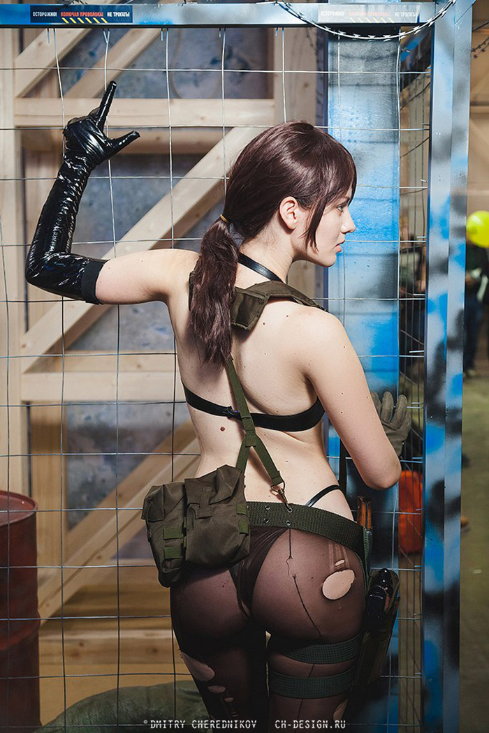 Quiet B-Side from Metal Gear Solid V video game - Cosplay