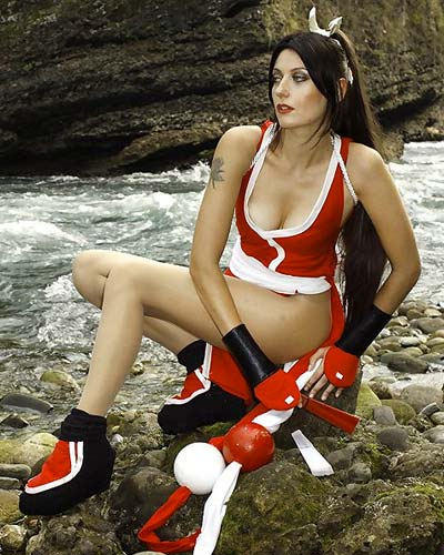Mai Shiranui King of Fighters queen video game cosplay