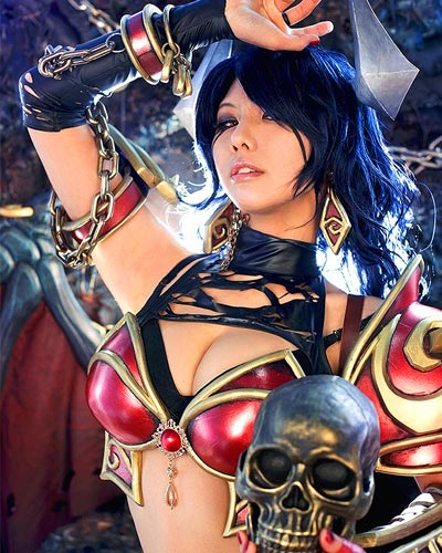 Akasha the Queen of pain cosplay